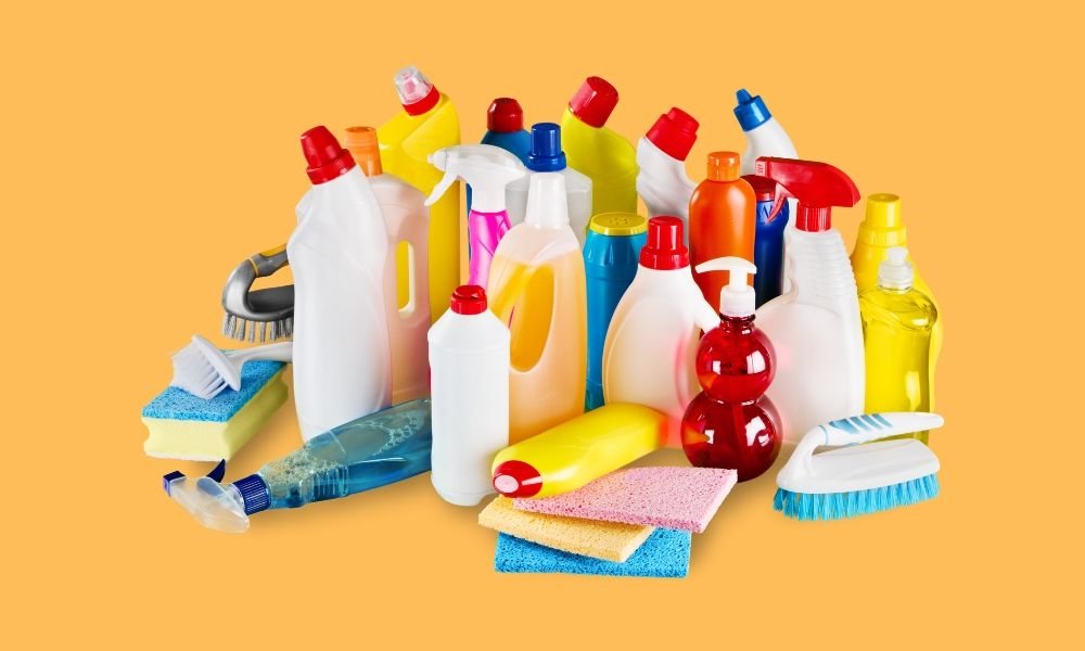 Image-Showing-Bathroom-Cleaning-Products