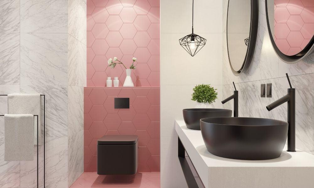 Small-Bathroom-With-Pastel-Walls-Calm-Decor