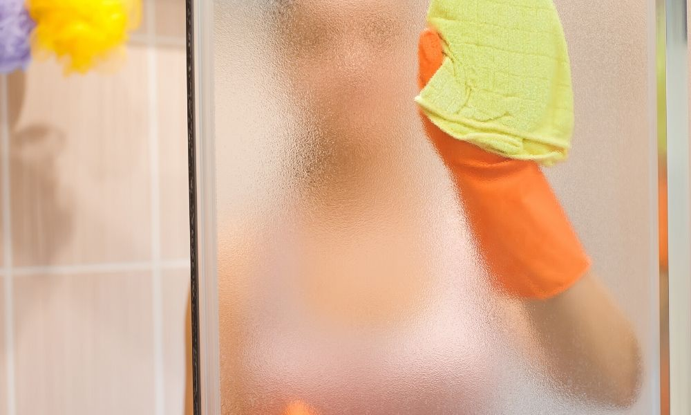 How-To-Clean-Your-Shower-Door-Without-Scratching