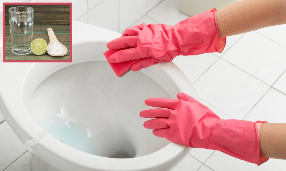 Image-Showing-Bathroom-Toilet-Cleaning-With-Natural-Products