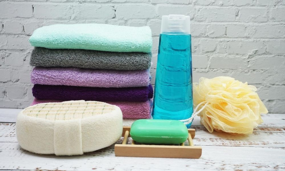 Organise-Showering-Essentials-For-a-Quick-Shower