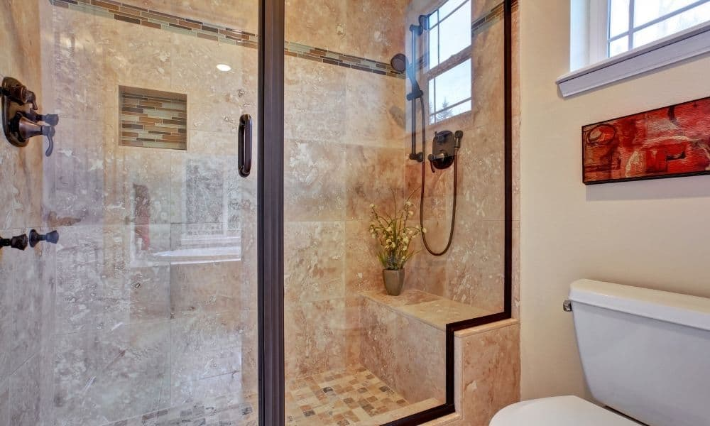 Image-Of-A-Clear-Glass-Bathroom-Shower-Screen