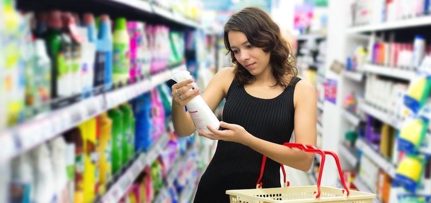 Woman buying bathroom products - Bathroom City blog