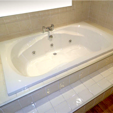 Phoenix Whirlpool Baths and Jacuzzi Baths Available at Bathroom City