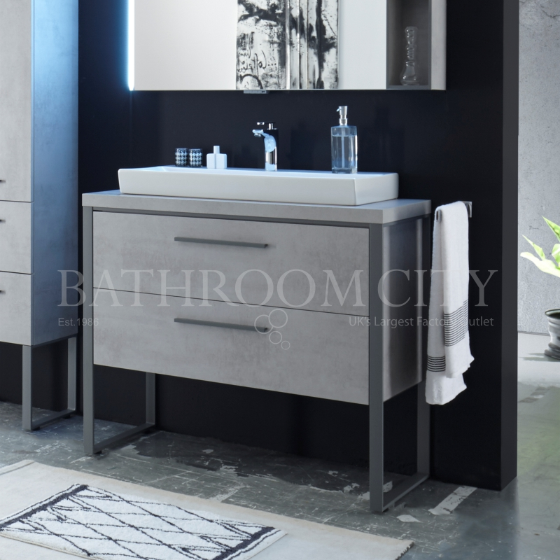 Solitaire 9025 1080 Traditional Vanity Unit With Legs 2