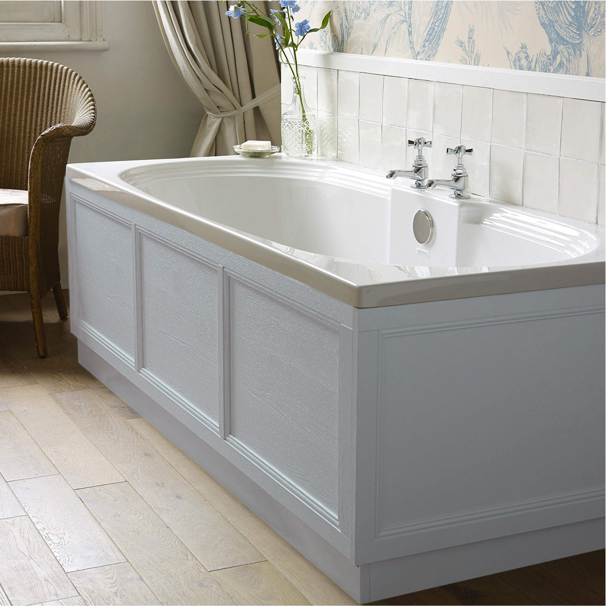 Traditional 1700 Bath Panel Grey