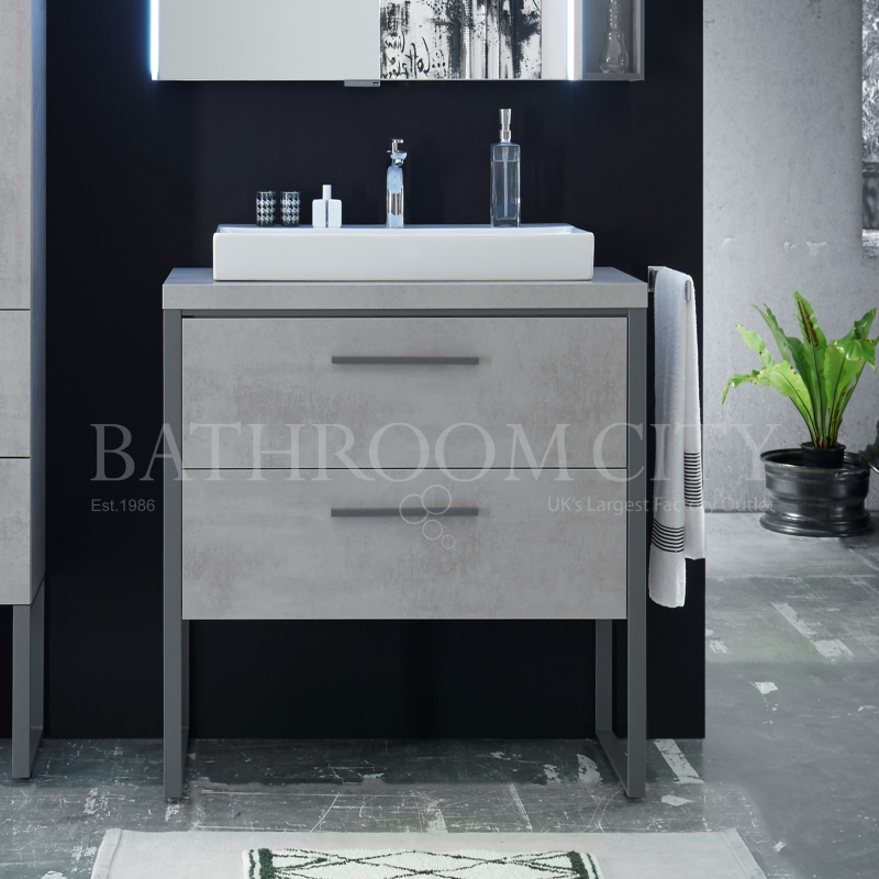 Solitaire 9025  Traditional 630 vanity unit with legs 2 drawers, countertop and basin PG1