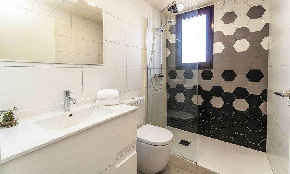 Image of a small, neatly designed Bathroom