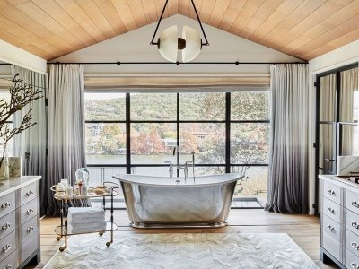 10 Luxury Bathrooms in Celebrity Homes