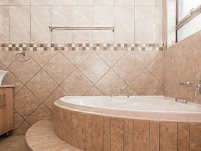 Five Corner Bath Suite Tips
