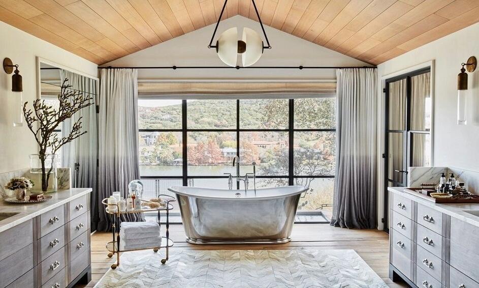 10 Luxury Bathrooms in Celebrity Homes
