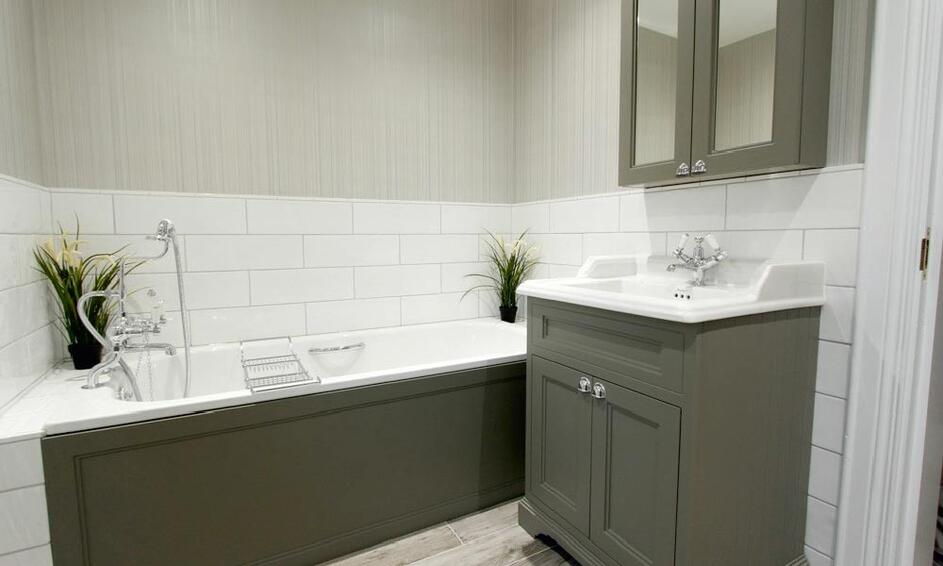 bathroom city design with sufficient lighting