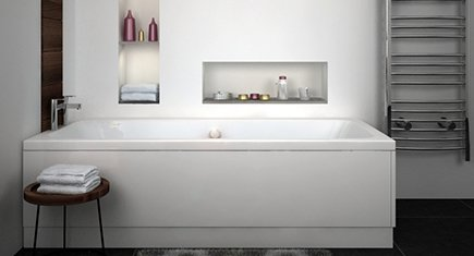 straight large bath with panels