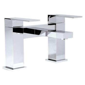 deluxe Modern CHROME Bath monoblock Tap  With a featured Standard spout And a lever Handle