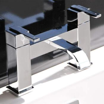 quality  Modern CHROME Bath Filler  With a featured spout And a lever Handle