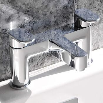 contemporary Modern CHROME Bath Taps With a featured Standard spout And a lever Handle