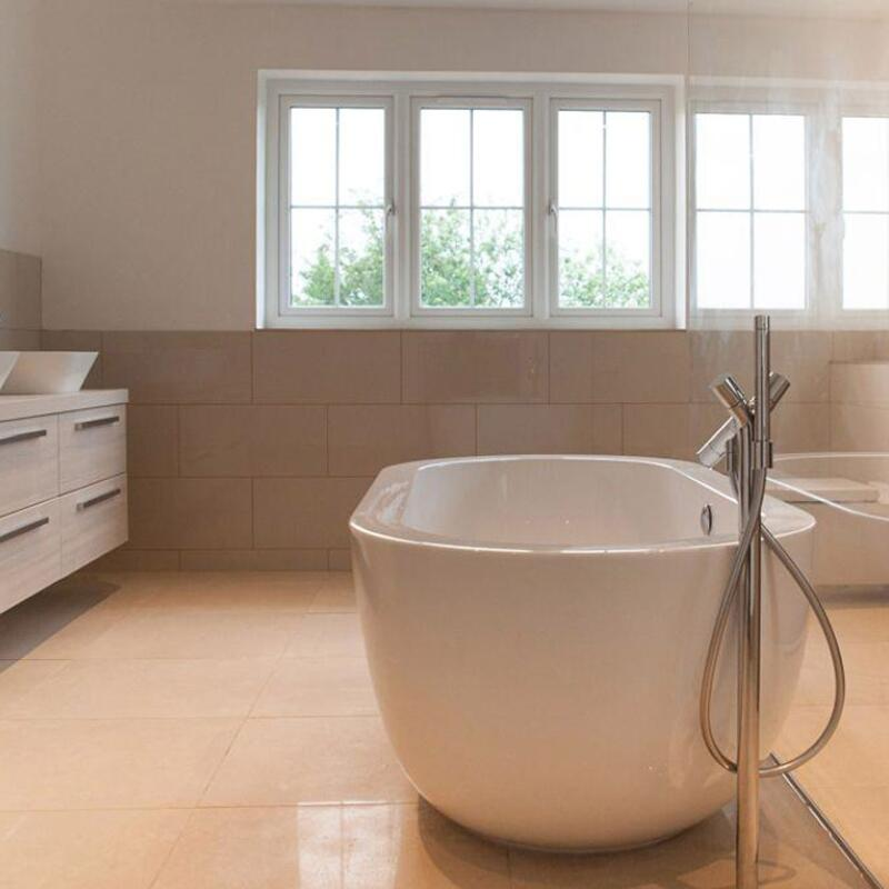 Ovali 1690 Bath