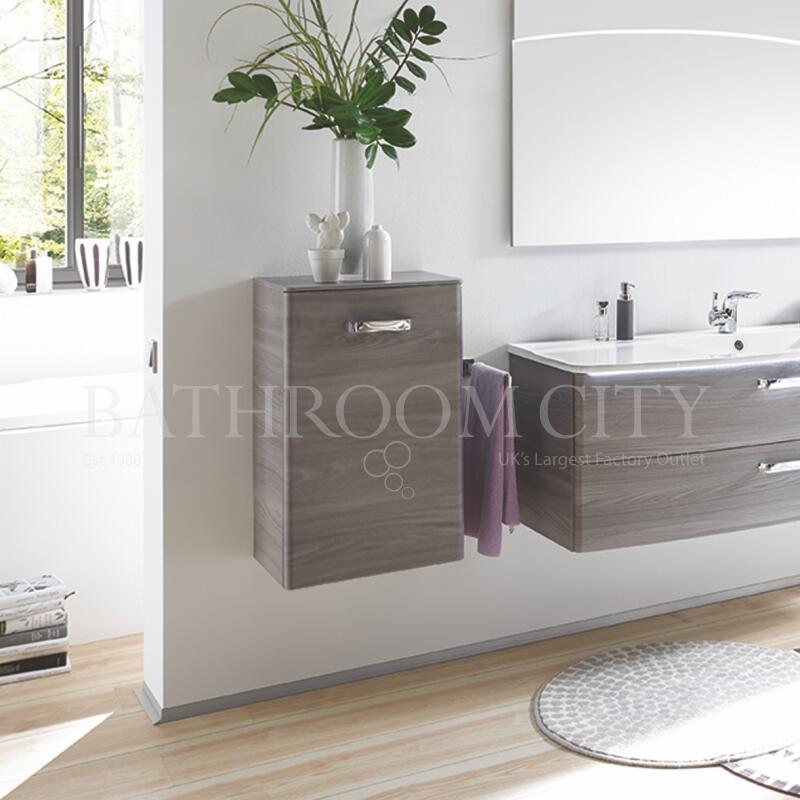 Solitaire 9020 Wall cabinet 1 LH door 700x450x170 PG1