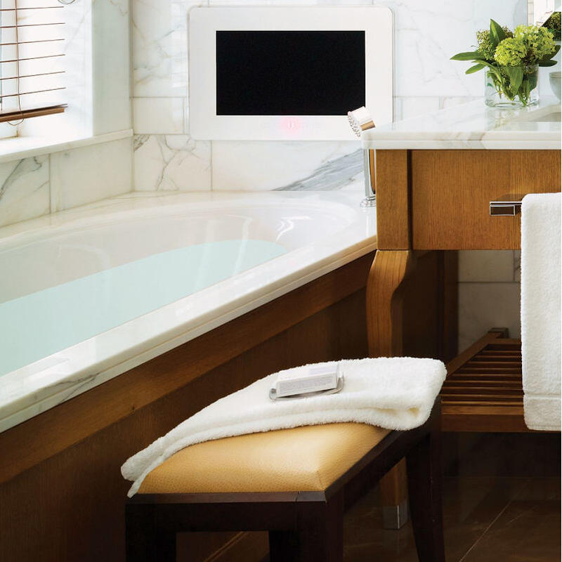 Centro Duo Bath with No Tap Holes: 1700 x 750mm