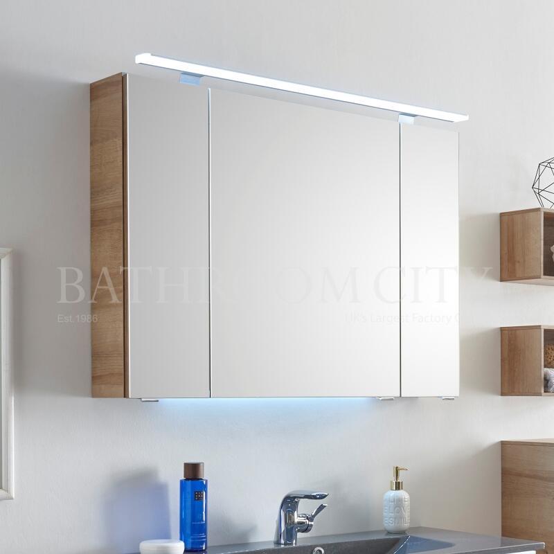 Mirror Cabinet: 3 Doors, 950mm Width